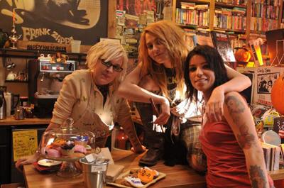 zombie H2 girls
